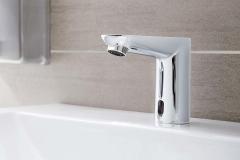 2014-robinetterie-lavabo-grohe-euroeco-cosmopolitan-e-electronique-1